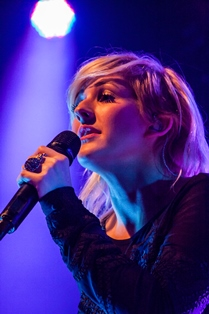 Ellie_Goulding_at_Manchester_Academy_2012_-_Portrait (1)