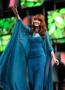 433px-Florence_Welch_performing_in_2013
